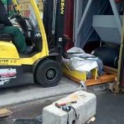 погрузка длинномерного груза в контейнер  globalload .mp4